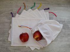Tuto - Sac réutilisables pour fruits/légumes/vrac Tuto - reusable bags for fruits/vegetables/bulk Zero dechet/ Zero waste Ecofriendly Crochet Christmas Gifts, Crochet Gifts, Sewing Tutorials, Sewing Projects, Couture Sewing, Reusable Bags, Zero Waste, Diy And Crafts, Creations