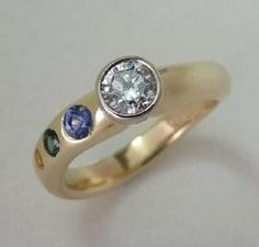 Custom Designed Rings and Wedding Rings    Wow nice ring!