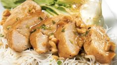 Be tempted by this easy Chicken breasts and peanut sauce recipe Peanut Sauce Recipe, Sauce Recipes, Chicken Recipes, Chicken Wings, Chicken Breasts, Fish Sauce, Sauce Salsa, Rice Vermicelli, Chicken Seasoning