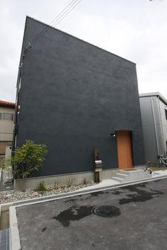 土間リビングをタノシム真っ黒なシカクイハコのおうち – D'S STYLE(ディーズスタイル)