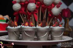 Chá bar | Chá de cozinha | Festas dos noivos | Pré casamento | Decoração by Mariah festas #chadecozinha #chabar #casamento #mariahfestas