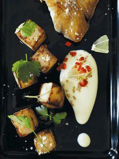 Kålrabi frit-tern med sennepsdip og stegt fisk