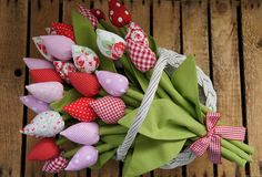 Tulip fabric flowers. Sew up some beautiful flowers that will last all year round!