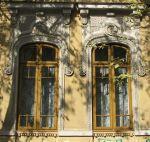 Appealing Neo-Romanian style windows, Mantuleasa area, Bucharest