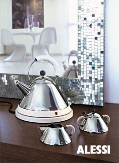 MG32, electric kettle, Michael Graves, 2001 #alessi #design  #alessibreakfast