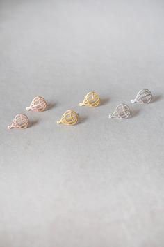 Lovoda - Hot Air Balloon Earrings, $12.95 (http://www.lovoda.com/hot-air-balloon-earrings/)