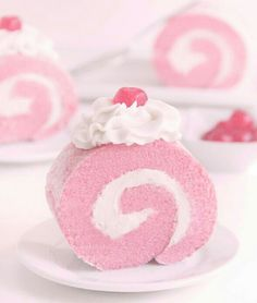 Easy to make Video Instructions # Food and Drink art colour Pink Velvet Roulade Kitty Cupcakes, Pretty Pastel, Pastel Pink, Soft Pink Color, Food Kawaii, Kawaii Dessert, Imagenes Color Pastel, Mini Desserts, Kreative Desserts
