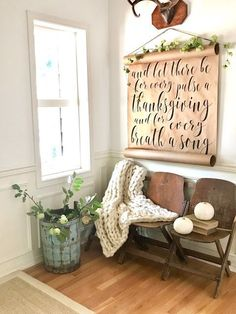 Little Farmstead: Our Farmhouse Fall Entryway {bHOME Fall Tour}