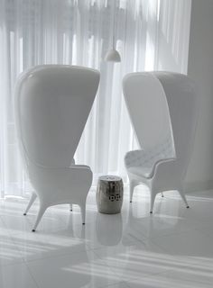 Need these chairs.
