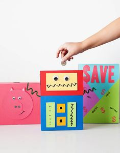 DIY Cereal Box Piggy Banks #robots