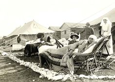Sick Nurses outside their quarters, Lemnos Island (modern #Greece) off #Gallipoli. Source: http://www.anzacday.gov.au/gallipoli/
