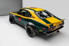 This Mazda is a rotary-chimera of sorts, it's a lightweight 1974 Mazda fitted with a rare triple-rotor Mazda engine producing 400 bhp. Vintage Sports Cars, Vintage Racing, Vintage Cars, Classic Japanese Cars, Classic Cars, Jdm, Datsun Roadster, Cars Characters, Offroader