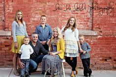 family photography, urban family photos, pics, large family, poses, family of 7, what to wear for family photos, Utah photography, lou la belle photography