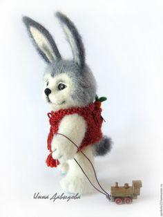 Купить Валяная игрушка зайчик Мирошка. Игрушки из шерсти. - чёрно-белый, серый, пушистый