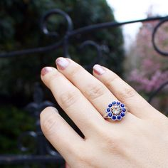 LOVE this vintage engagement ring!
