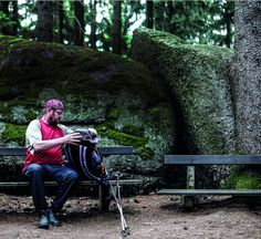 Gut gegangen - Sich auf den Weg machen. Gehen. Das entdecken auch immer mehr Oberösterreicher für sich. Dabei muss es längst nicht immer der Jakobsweg sein. Durchs Mühlviertel windet sich der Johannesweg – zwölf Stationen mit Denkanstößen für die Seele. Die OÖN machten sich mit Vielgeher Ferdinand Kaineder auf den Weg: http://www.nachrichten.at/oberoesterreich/hoamatland/Gut-gegangen;art160787,1432343 (Bild: Weihbold)