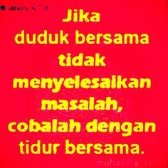 Dp Bbm Bergerak Romantis Dp Bbm Lucu Pinterest Blog Quotes Lucu, Jokes Quotes, Life Quotes, Funny Comedy, Funny Jokes, Flirty Captions, Turu, Morning Greetings Quotes, Quotes Indonesia