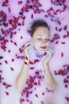 Drowned in roses by Maja Topčagić on 500px