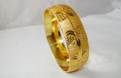 Buy GOLDEN BRACELET FOR WOMEN at Rs. 225.00 only..visit here- http://shwetajewelry.com/product/golden-bracelet-for-women/