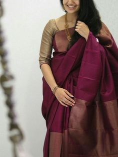 25 stylish plain saree looks to inspire you 3 Kerala Saree Blouse Designs, Cotton Saree Designs, Wedding Saree Blouse Designs, Half Saree Designs, Saree Blouse Neck Designs, Fancy Blouse Designs, Saree Wedding, Bridal Silk Saree, Blouse Patterns