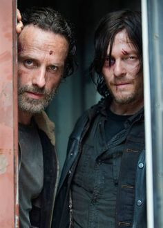 Rick (Andrew Lincoln) y Daryl (Norman Reedus) en 'The Walking Dead'
