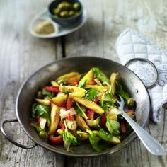Kartoffelpfanne mit Paprika, Oliven und Chicoree Rezept