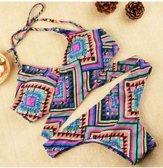 Feel fun wiith this halter bikini ,Front cross dresign and retro printing will be never go out of style,Give this summer more hotter, baby!