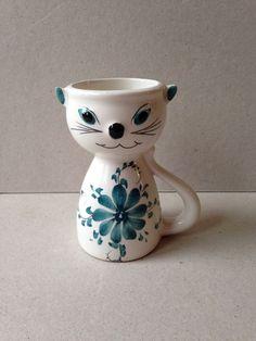 Vintage Ceramic Cat Egg Cup Blue & White Made In Portugal Fine Porcelain, Painted Porcelain, Cat Egg, Vintage Egg Cups, Egg And I, Egg Holder, China Mugs, Vintage Ceramic, Eggs