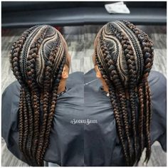 All styles of box braids to sublimate her hair afro On long box braids, everything is allowed! For fans of all kinds of buns, Afro braids in XXL bun bun work as well as the low glamorous bun Zoe Kravitz. Feed In Braids Hairstyles, Braided Ponytail Hairstyles, Box Braids Hairstyles, Teenage Hairstyles, Blonde Box Braids, Black Girl Braids, Braids For Black Hair, Twist Braids, Twists