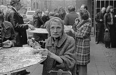 Am Imbißstand, Stargarder Straße, 1980