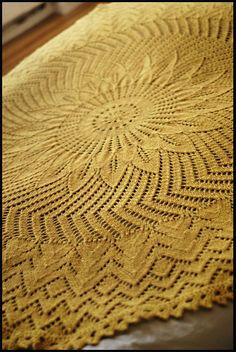 Girasole by Jared Flood. Beautiful circular lace pattern that can be worked either in a delicate fingering weight wool for a lovely shawl or in a heavier worsted weight as a blanket. Lace Knitting, Knitting Patterns, Knit Crochet, Crochet Patterns, Knit Lace, Blanket Patterns, Knitting Scarves, Knitted Baby, Weaving Patterns