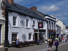 Wadebridge Main Street The Molesworth Arms. Many a happy lunchtime spent here...a loooong time ago...!