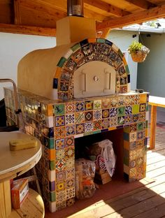 Konstantinides Family Outdoor Brick Pizza Oven in California - Mattone Barile Grande DIY Wood-Fired Pizza Oven Kit by BrickWood Ovens Brick Oven Outdoor, Outdoor Kitchen Bars, Pizza Oven Outdoor, Backyard Kitchen, Pizza Oven Kits, Diy Pizza Oven, Build A Pizza Oven, Wood Oven, Wood Fired Oven