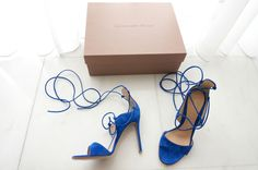 #gianvitorossi #shoes #blue #suede Louboutin Pumps, Christian Louboutin, Blue Suede, Chic, Heels, Fashion, Shabby Chic, Heel, Moda