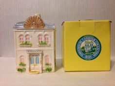 "Vintage 1983 Avon Townhouse Victorian House Cookie Canister 8.5"" Medium EUC"