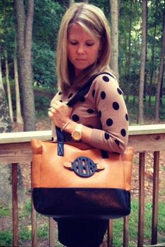 Large Purse with Interchangeable Monogram. Ooooh I want this and love everything on this site!