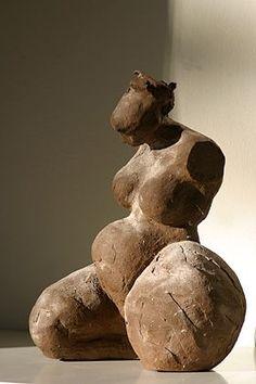Clay Sculptures : Tineke Huizing Human Sculpture, Sculptures Céramiques, Art Sculpture, Pottery Sculpture, Abstract Sculpture, Ceramic Figures, Ceramic Art, Ceramic Sculpture Figurative, Ancient Art