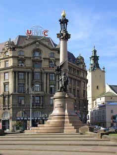 Lviv-Monument_to_AdamMickiewicz-2a.jpg (960×1280)