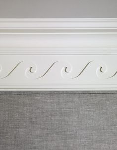Vitruvian scroll for the dining room's crown molding - perfect for a beach house Coastal Homes, Coastal Living, Coastal Decor, Coastal Cottage, Cottage Style Decor, Beach Cottage Style, Beach Condo, Beach House Decor, Home Decor