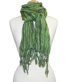 Add+gorgeous+green+to+the+dressing+routine+with+this+sumptuous+scarf.+Its+rich+hue+and+super-soft+design+promise+a+fashionably+finished+ensemble.