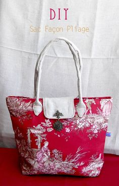 Tuto The folding bag in red Jouy cloth - Agnès C. - - Tuto Le sac façon pliage en toile de Jouy rouge Tuto The folding bag in red Jouy fabric Diy Sac, Diy Tote Bag, Tote Bags, Tote Tutorial, Handmade Purses, Couture Sewing, Diy Couture, Fabric Bags, Clutch