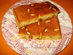 Torta Vigezzina preparata con pane raffermo, un dolce molto usato in Valle Vigezzo.