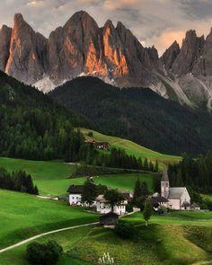 Perle d'Italia... Pearls of Italy...such as the wonderful village of S.Maddalena in Val di Funes. Shot taken this summer during sunrise. Thx for watching and support. #instaitalia #top_italia_photo #ig_trentinoaltoadige #ig_italy #ig_italia #italy_hidden_gems #altoadigeweb  #altoadigedascoprire #italiainunoscatto #gf_Italy #main_vision #igrefined #worldplaces #earth_shotz #yallersitalia #igglobalclubhdr #earth_magic #ourheavenplanet #mydolomiti #superhubs  #italian_places #loves_italia…