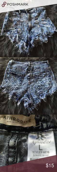 Fashion Nova Denim high wasted shorts Large light wash denim high wasted shorts. 98% cotton 2% spandex. Shorts Jean Shorts