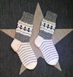 Knitting Socks, Knitting Ideas, Handicraft, Mittens, Christmas Stockings, Knit Crochet, Diy Crafts, Wool, Pattern