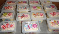Baby food containers (cupcakes on the go.)  www.facebook.com/cakesbymelody