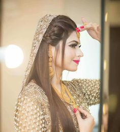 Bookings open for 2018 call or WhatsApp 333 5916771 333 Kindly inbox us for our updated packages Detail. Pakistani Bridal Hairstyles, Pakistani Bridal Makeup, Pakistani Wedding Outfits, Indian Bridal, Pakistani Dresses, Bridal Makup, Saree Hairstyles, Bridal Hairdo, Indian Hairstyles