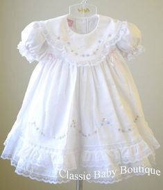 Will'beth Girls White Color Heirloom Lace Frilly Dress with Bloomers 9 12 18 Months Smocked Baby Dresses, Frilly Dresses, Little Girl Dresses, Flower Girl Dresses, Vintage Baby Dresses, Frock Design, Blessing Dress, Baby Dress Patterns, Skirt Patterns