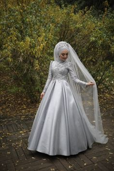 Muslim Prom Dress, Muslimah Wedding Dress, Wedding Dresses, Bridal Hijab, Hijab Bride, Modest Fashion Hijab, Teen Fashion Outfits, Pakistani Dress Design, Pakistani Dresses