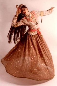 Helene Eriksen • Traditional Dances from North Africa to Central Asia